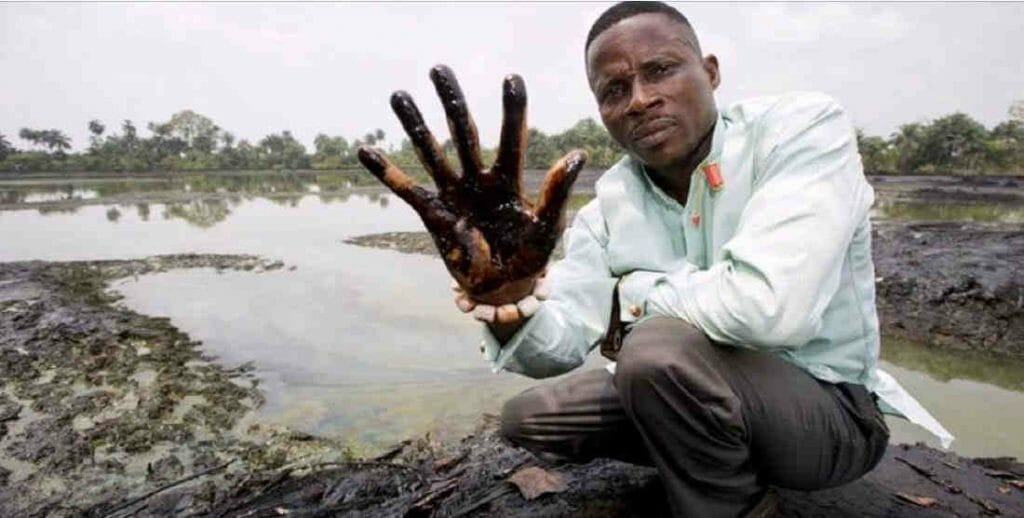 What are the causes of water pollution oil pollution