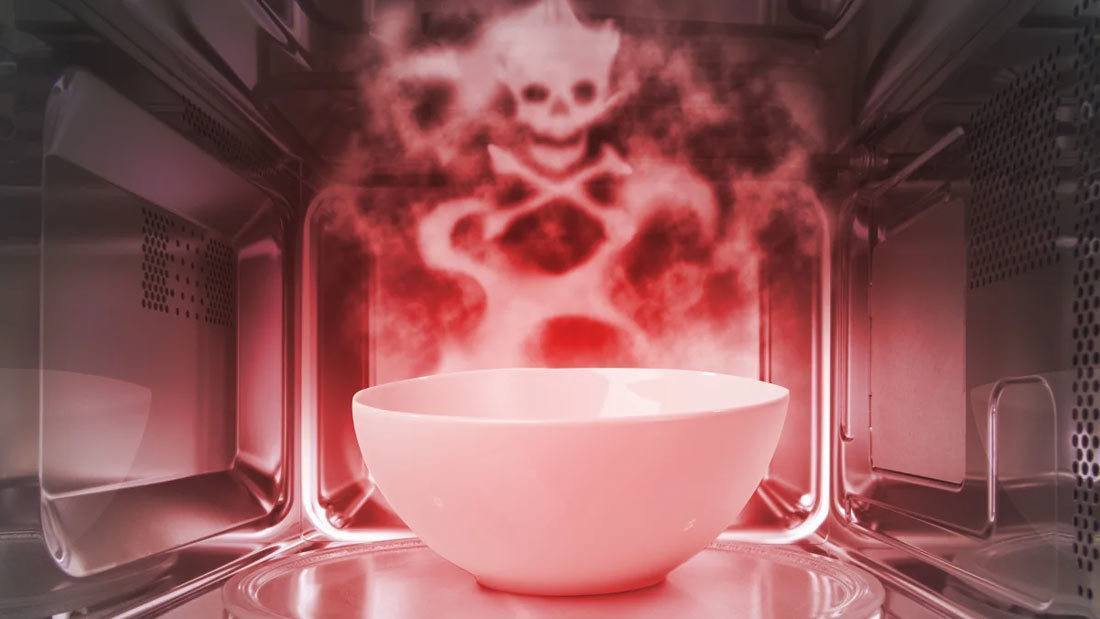 Dangers Associated With Boiling Water in the Microwave